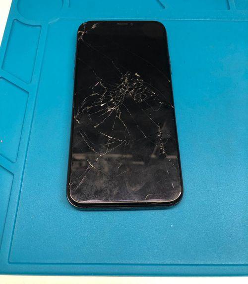 iPhone X A Kalite Ekran Değişimi